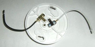 LH11WP   Keyless Lampholder W Leads No Socket